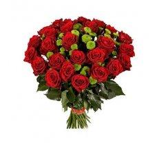 Rožu un zaļo krizantēmu pušķis 2